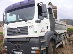 Camiones Basculantes 6×6 de 26 TM.